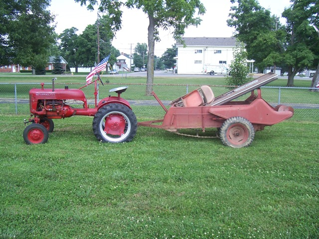 Farmall Manure Spreader : Manure spreaders farmall cub